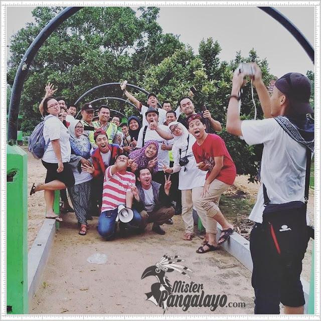 Menduniakan Madura - Blogger Indonesia di Kawasan Wisata Hutan Kera Nepa Madura