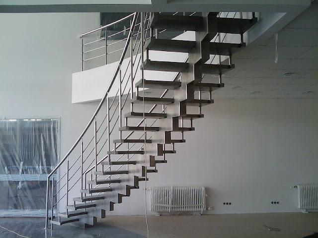 cầu thang inox đơn giản hiện đại