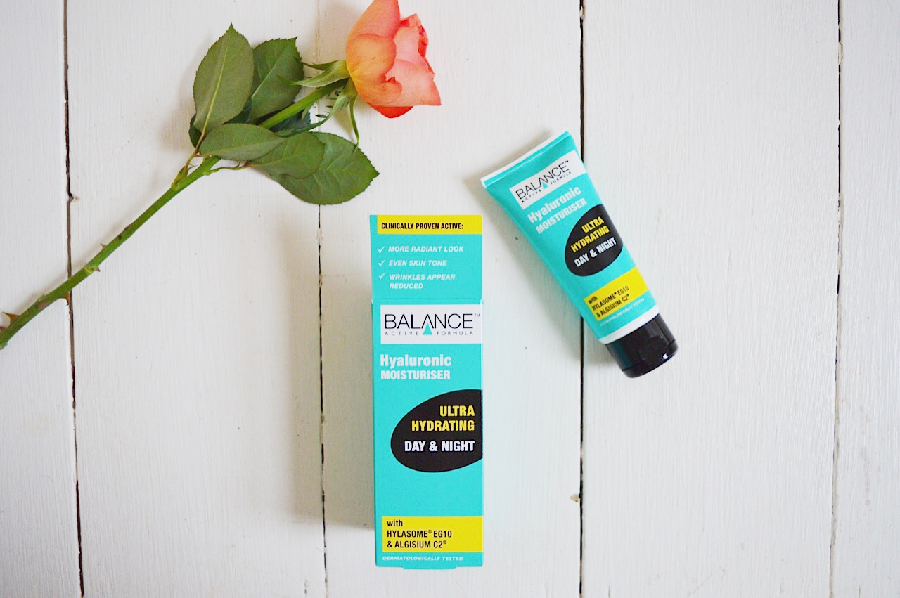 Balance Hyaluronic Moisturiser Review by beauty blogger FashionFake