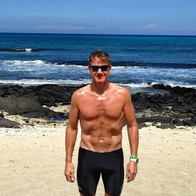 Gordonramsay shows off his six pack abs