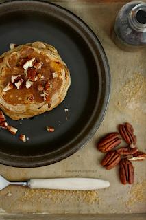 http://www.everydaycooking.pl/2014/09/pancakes-z-bananami-na-mleku-migdaowym.html