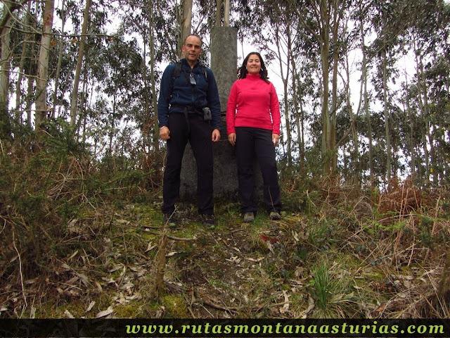 Cima del Pico Prieto en Corvera, Asturias