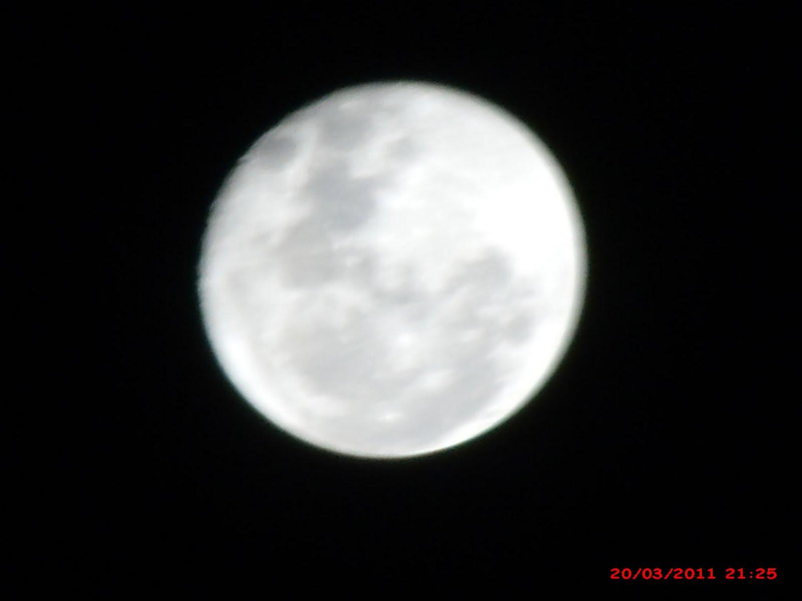 """Eu Descobri Que A Solidão é O Grande Lua: FOTOS """"PERNÓSTICAS"""": A LUA"""
