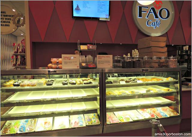 FAO Schwarz: Cafetería