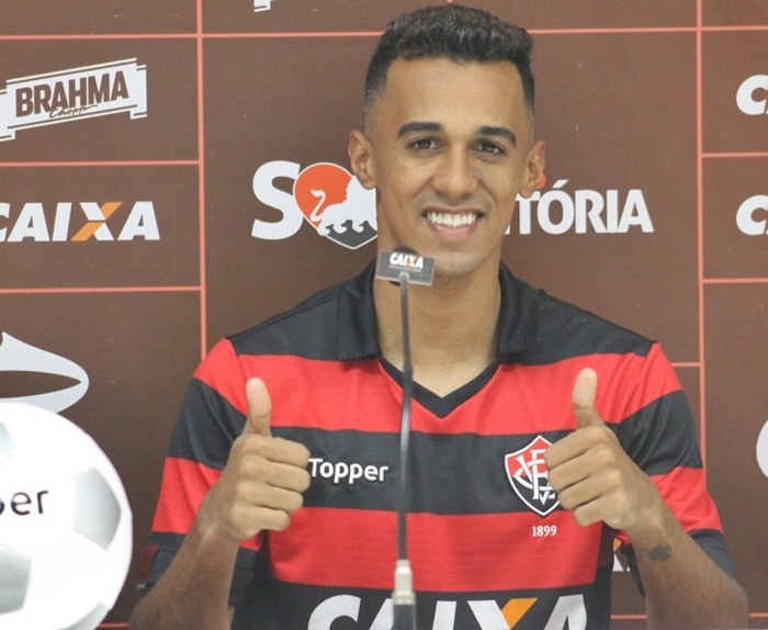 Lateral é regularizado e pode estrear contra o Cruzeiro no próximo domingo 1