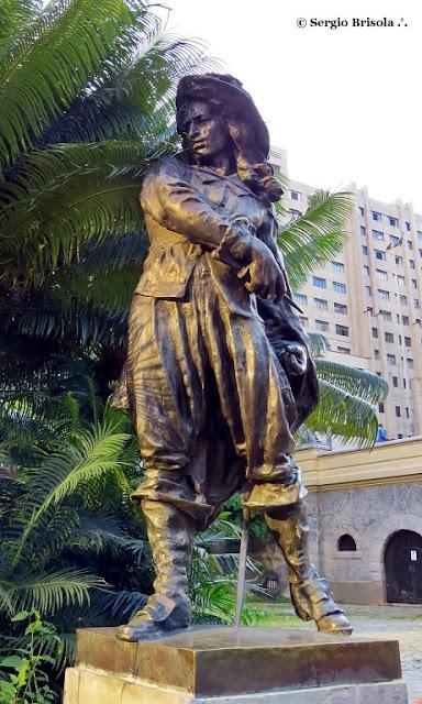 Close-up da Escultura Salvator Rosa - Praça Ramos de Azevedo - Centro - São Paulo