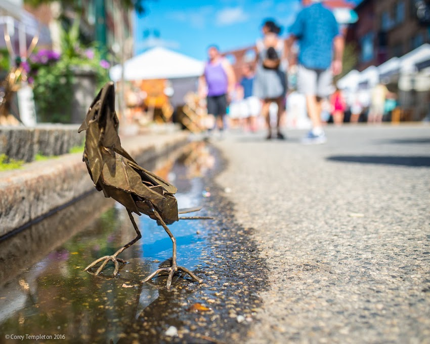 Portland, Maine USA Fine Crafts Show on Congress Street in August 2016 photo by Corey Templeton of a bird sculpture by Chris Williams