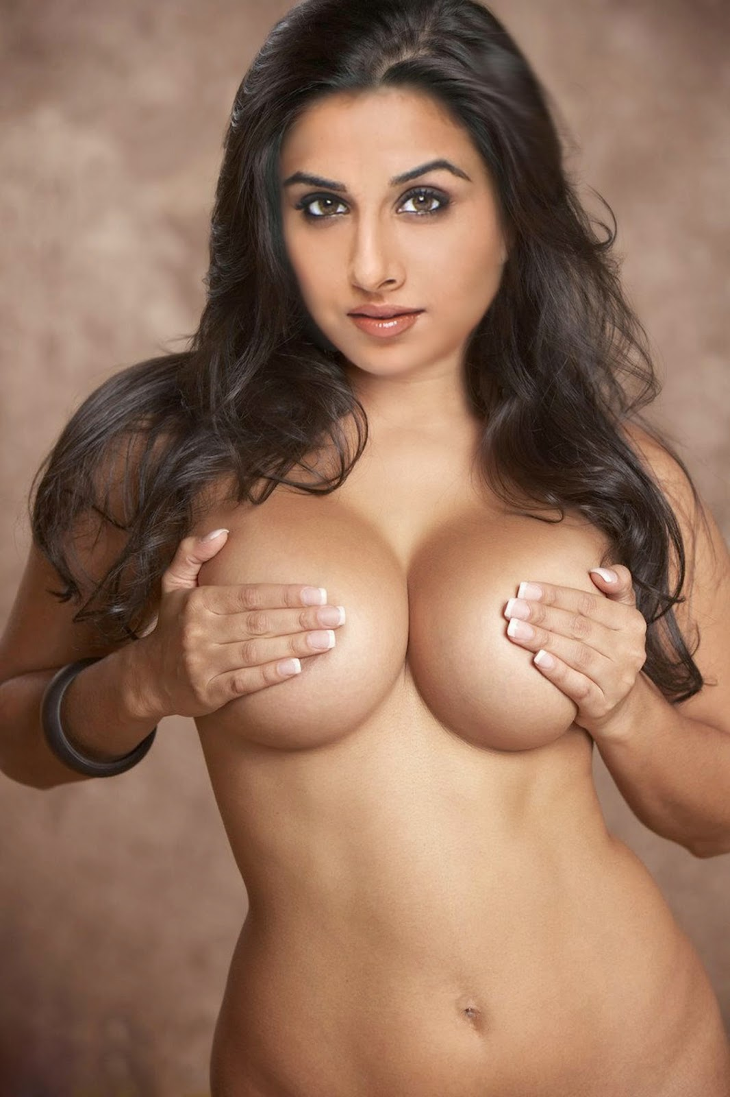 Nude Indian Booty Actress Pics