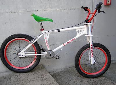 http://bicinova2.blogspot.com.es/2015/12/bicicollaboracio-torpado-bmt-pro-1985.html