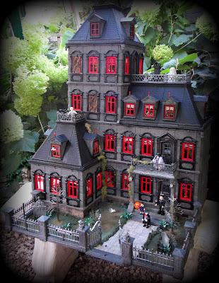 http://emma-j1066.blogspot.com/2015/04/gothic-horror-house.html