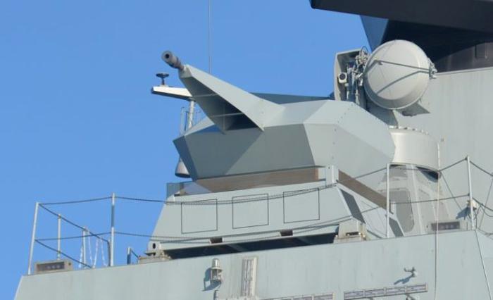 CIWS Millenium Gun 35mm di Frigate Iver Huitfeldt-class, Denmark (Christopher P. Cavas)