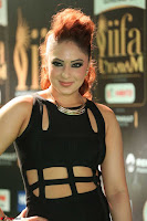 Nikesha Patel in Beautiful Figure Hugging Black Dress  at IIFA Utsavam Awards 2017  Day 2 at  20.JPG