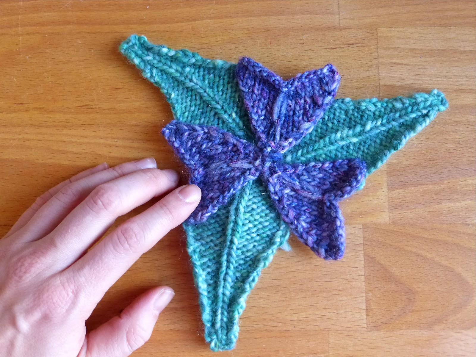 Heart-Shaped Flower Petals and Spear-Shaped Leaves: Free Knitting ...
