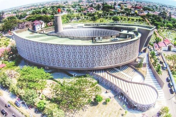 Ridwan Kamil dan karyanya Museum Tsunami