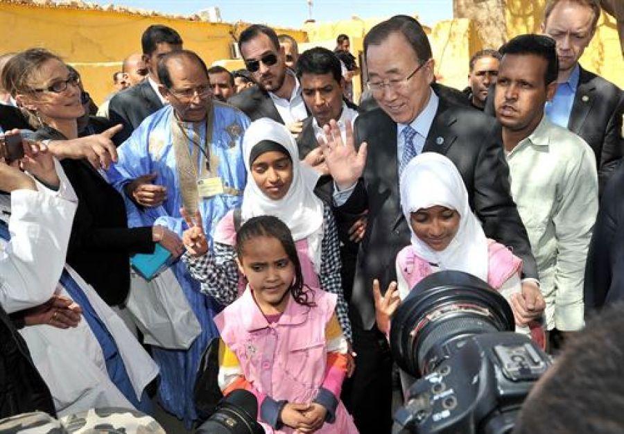 بانكيمون يتأسف لعدم التمكن من زيارة مدرسة 17 يونيو بسبب التوافد الكبير للاجئين الصحراويين