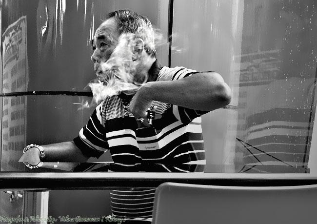 Black White Smoke And Miror || Fotografer & Ediitng By : Vishnu Darmawan ( Klikmg ) Fotografer Purwokerto