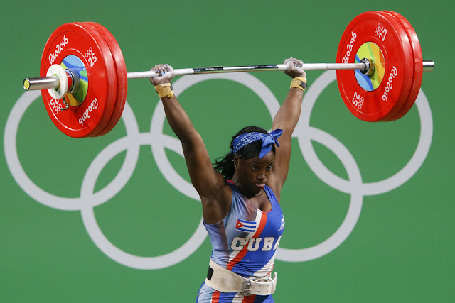 Marina de la Caridad Rodríguez Mitján  de Cuba, compite en la categoría de 63  Kg del levantamiento de pesas (femenino) de los Juegos Olímpicos de Río de Janeiro, en el Pabellón 2 , en Riocentro,  en Barra de Tijuca, Brasil, el 9 de agosto de 2016