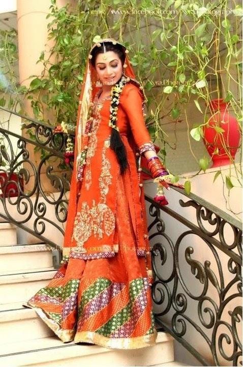 New And Latset Bridal Mehndi Dresses Make Up And
