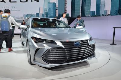 Toyota Avalon 2019 1