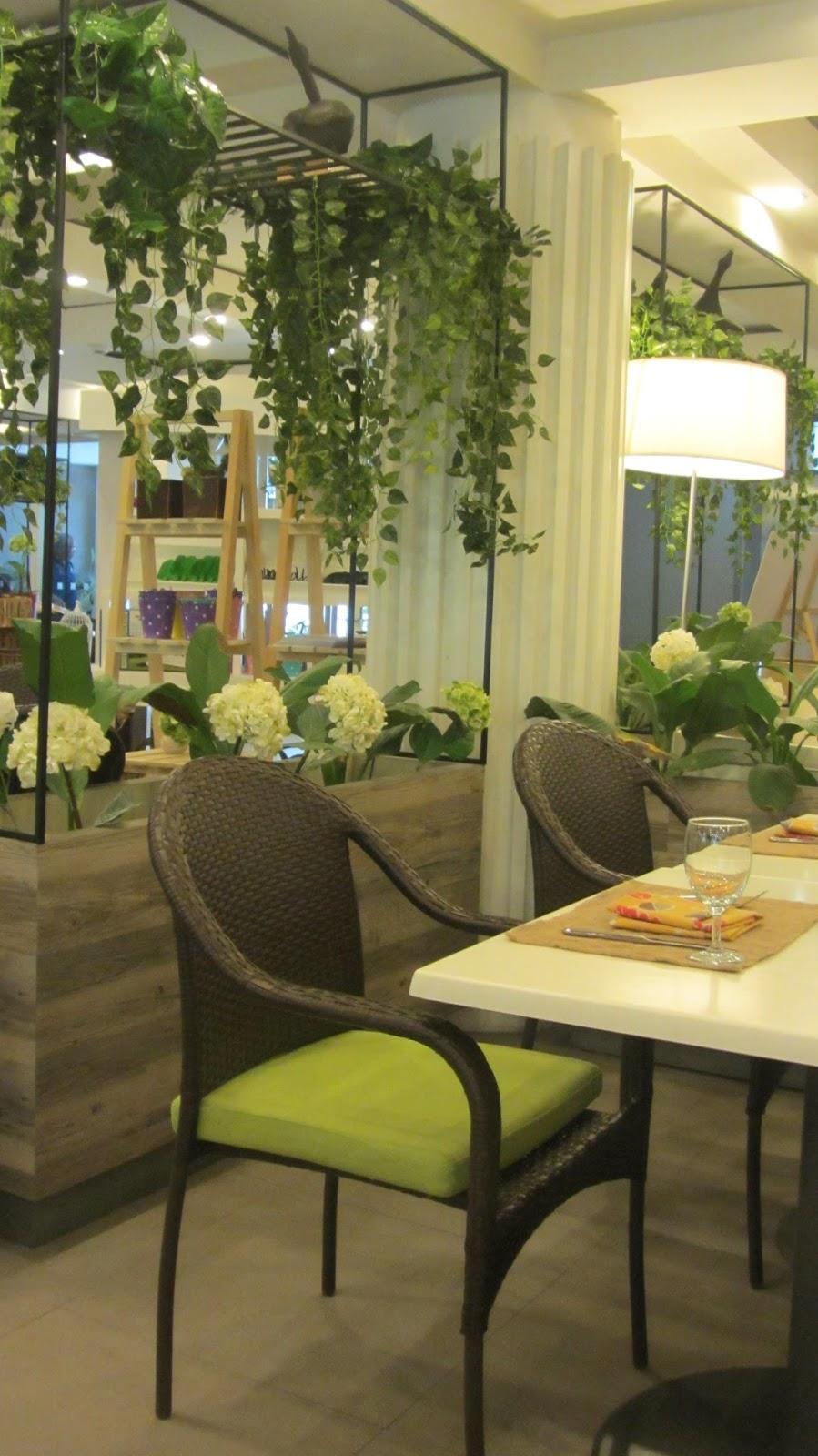 Happy Garden Café at Jupiter Street   walkandeat