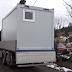 Romi na Svatovcu dobili kontejnere za stanovanje (VIDEO)