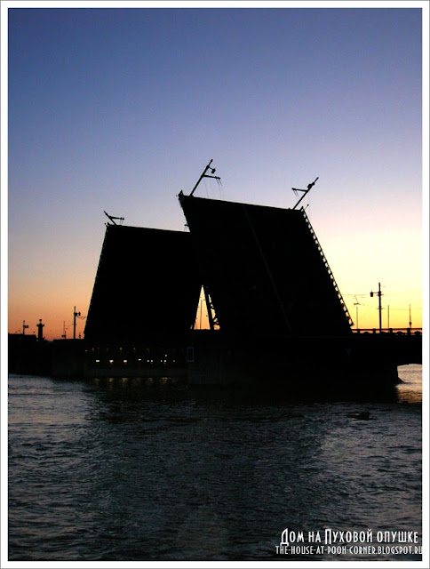 Вышивка Дворцовый мост