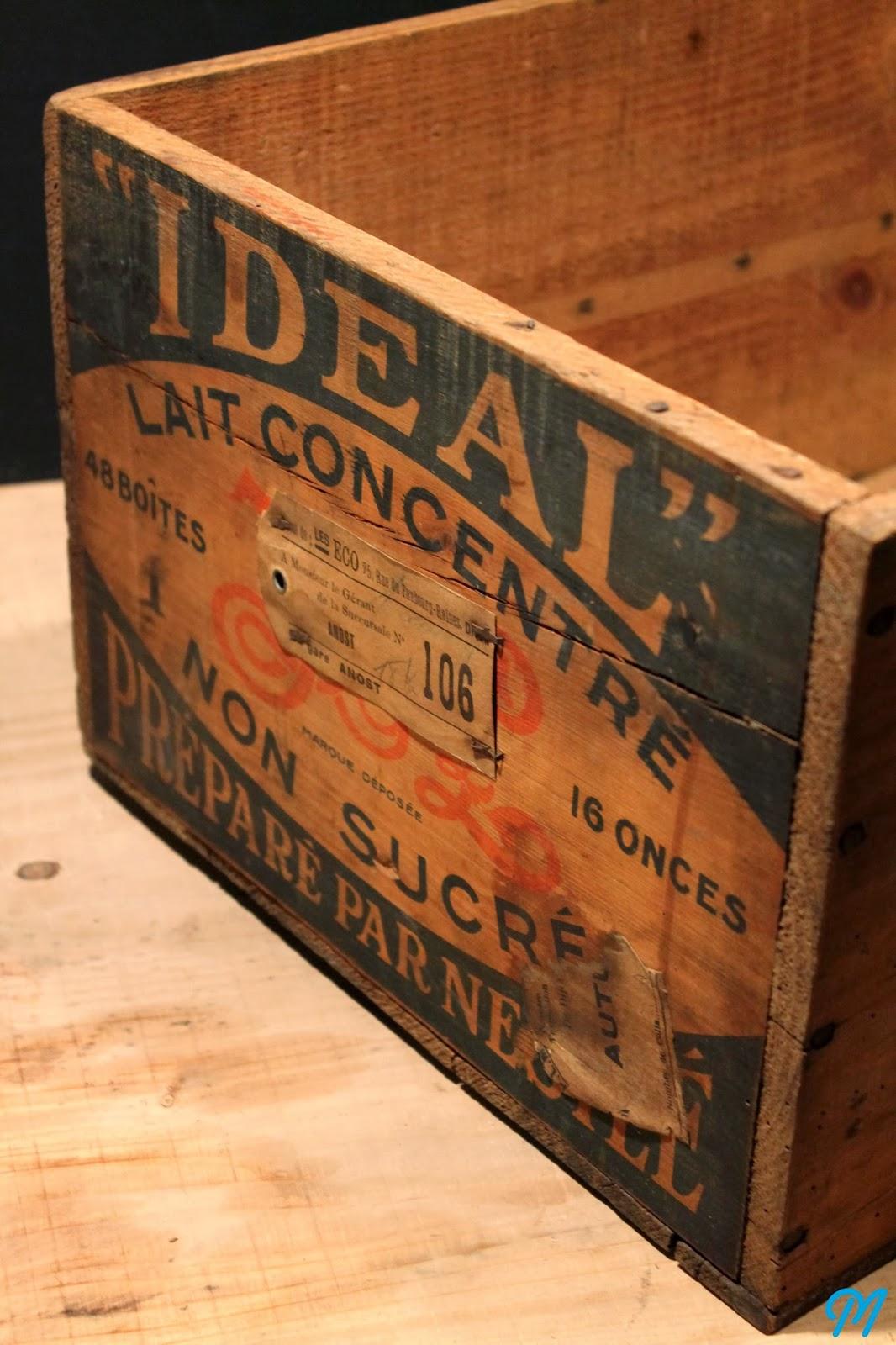 caisse de bois antique. Black Bedroom Furniture Sets. Home Design Ideas