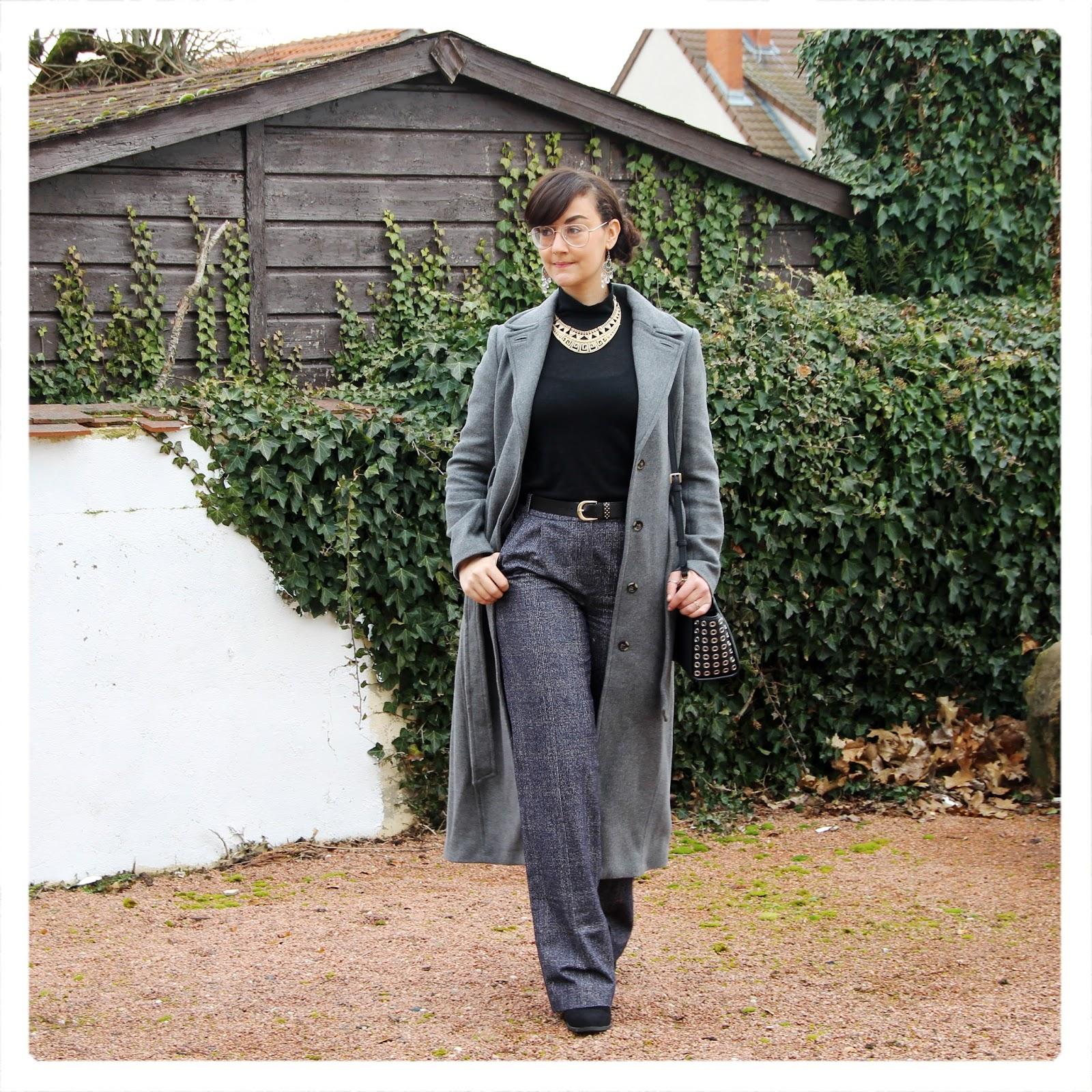 https://unblogdefille.blogspot.fr/2018/03/look-long-manteau-gris-et-pantalon-gris.html