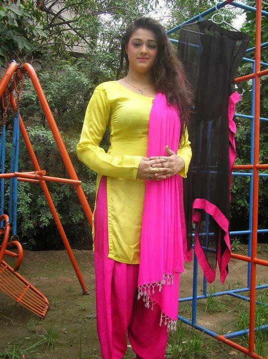 Pakistani Desi Hot Womens Beautiful Photos - Beautiful -6513