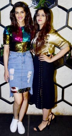 cinemawallah-Kriti-Nupur-Sanon-sisters-glamorous