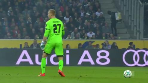 Blunder Keeper Mainz, Robin Zentner Bikin Ngakak Titik Penalti Disangka Bola
