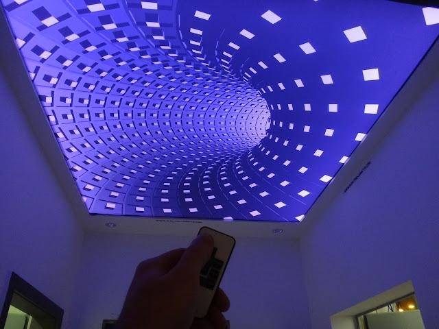 Tấm xuyên sáng 3D hiệu ứng màu xanh