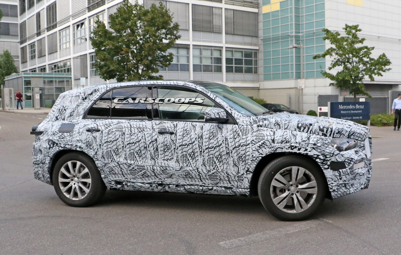 All new 2019 mercedes gle to bring the heat on audi q7 for Mercedes benz gle 2019