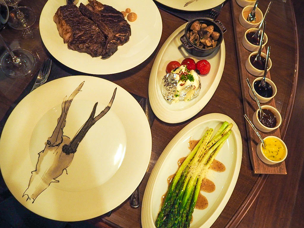 Review of The 1515 West Chophouse and Bar in the Shangri-La hotel, Shanghai