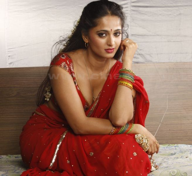 Actresspictures Anushka Sexy Picture-8134