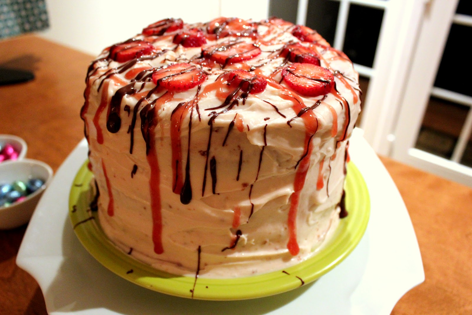 Layered Cake Recipes With Fillings: Three Layer Vanilla Cake With Strawberry Filling