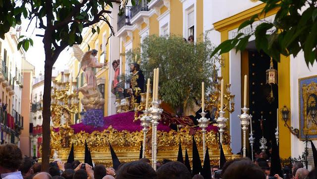 Monte Sion - Semana Santa in Sevilla