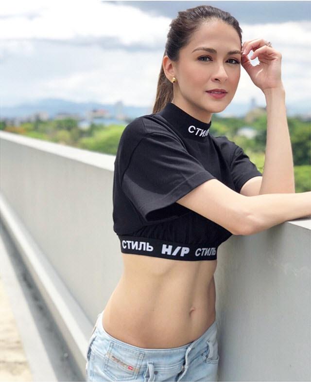 Street style gợi cảm của mỹ nhân đẹp nhất Philippines -2
