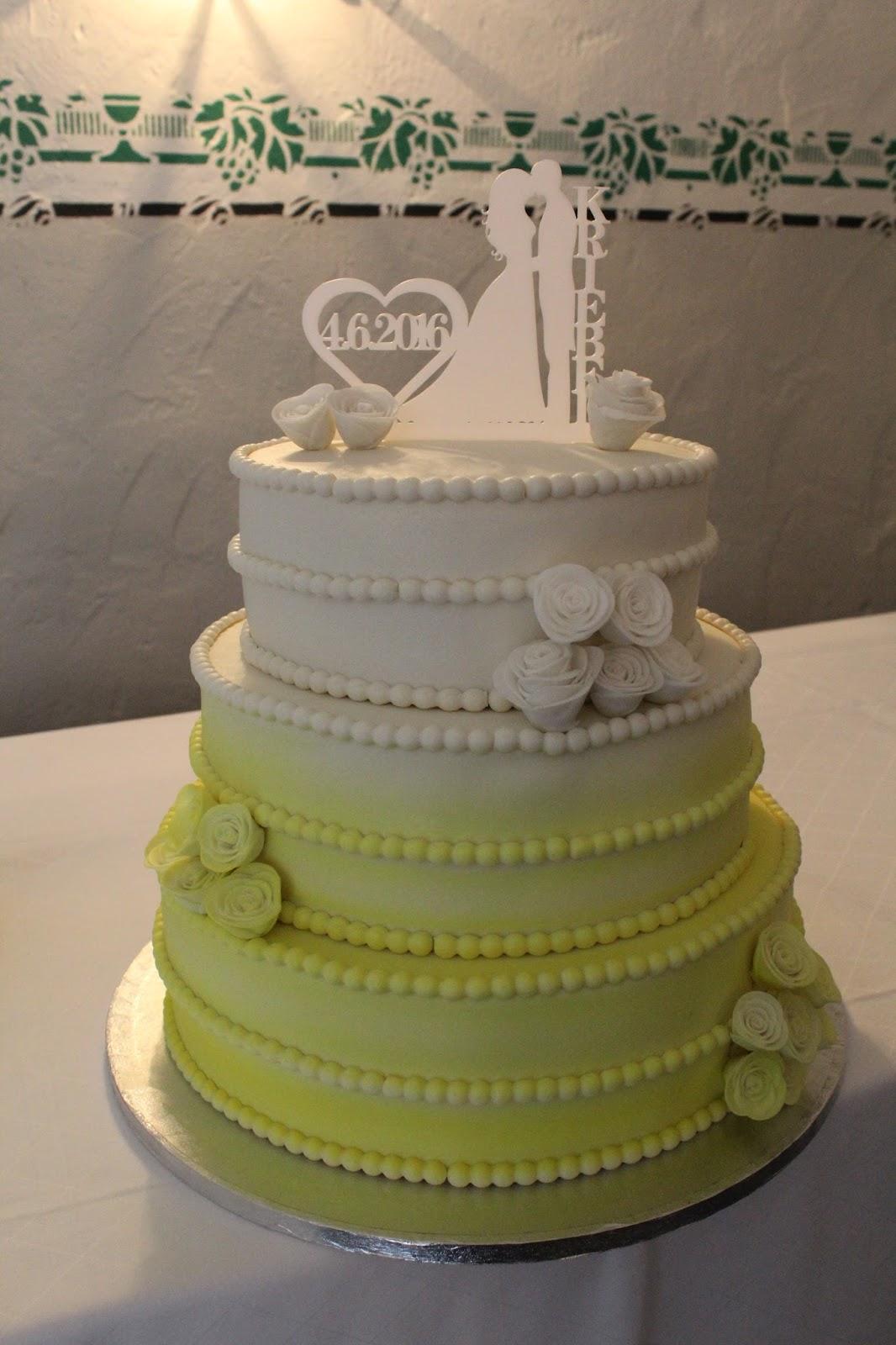 Theresas Backstube Hochzeitstorte In Gelb Mit Airbrush