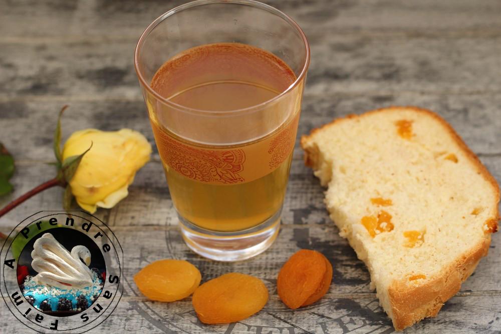 Pain au miel et aux abricots secs