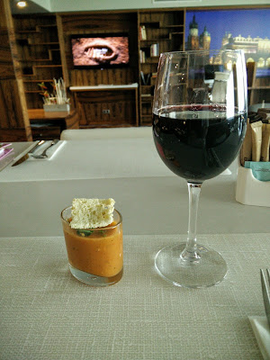 Red wine and gazpacho in DoubleTree Hilton Krakow Executive Lounge
