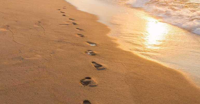sajak jejak - footprints karya margaret fishback