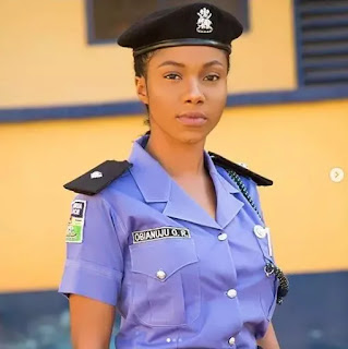 News ::  Trending Photos Of Beautiful Police Officer Who Is A Slay Queen