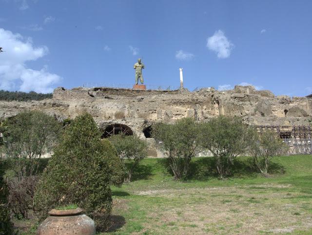 widok na Pompeje, jak zwiedzać