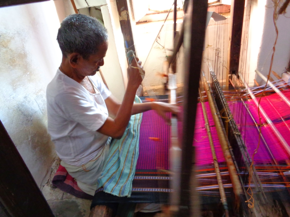 Such a lovely colour Khun being woven