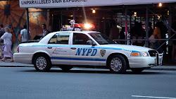 """Một người đàn ông đáng ngờ """" có thể là kẻ đánh bom tự sát """" bị bắt bên ngoài lãnh sự quán Israel ở New York"""