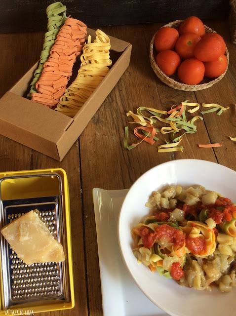 pasta-larga-con-tomate-berenjenas-parmesano