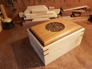 Rumi desenli takı kutusu