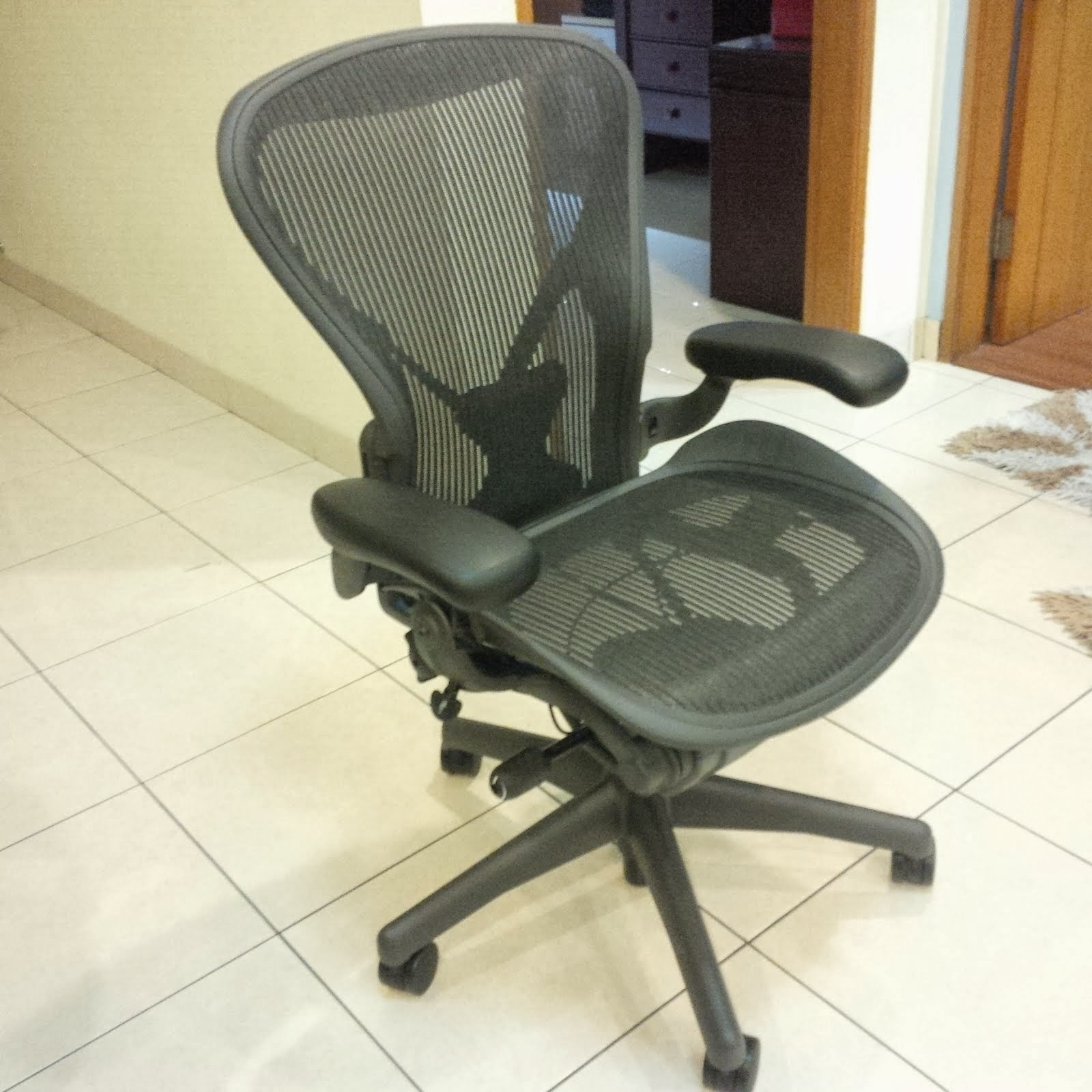 posturefit chair bentwood rocking repair anything that interesting herman miller aeron