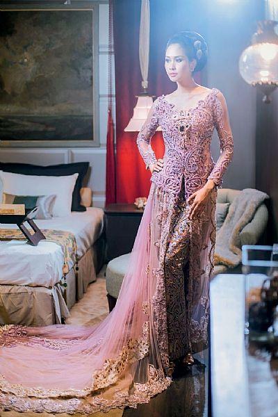 Model Kebaya Brokat
